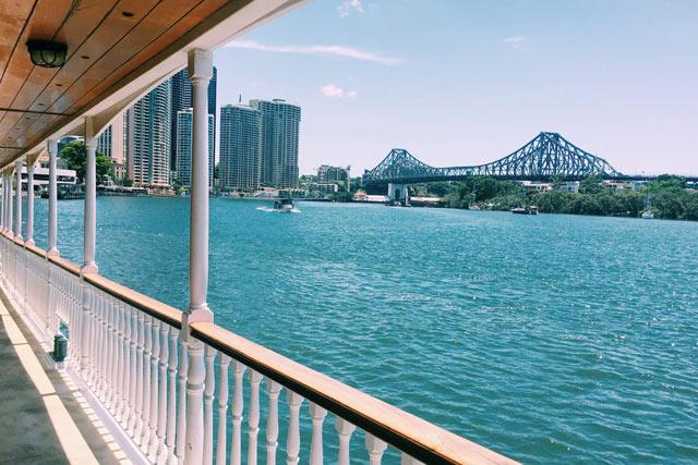 brisbane-lunch-cruise-on-friday