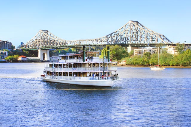 kookaburra-showboat-on-brisbane River