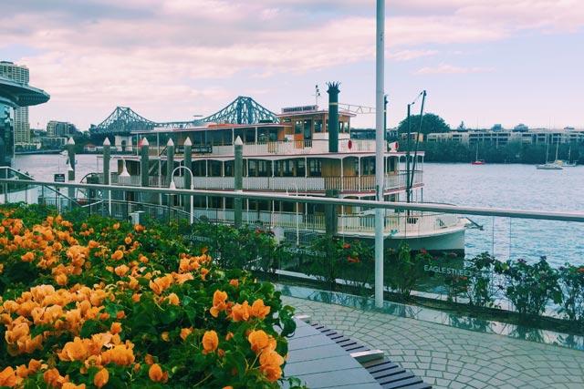 kookaburra-showboat-in-brisbane