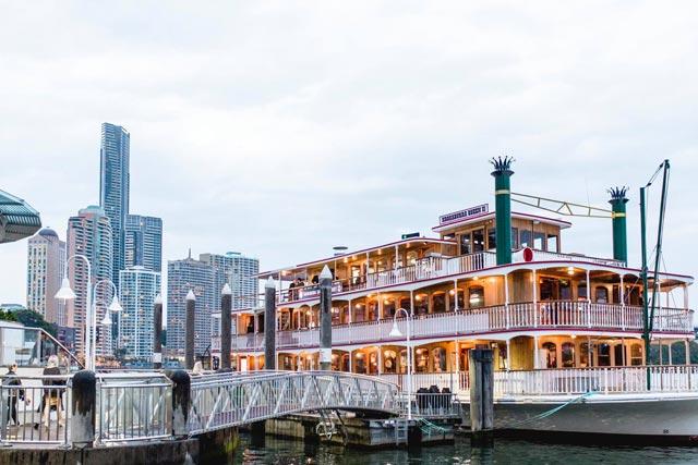 high-tea-cruise-on-kookaburra-showboat